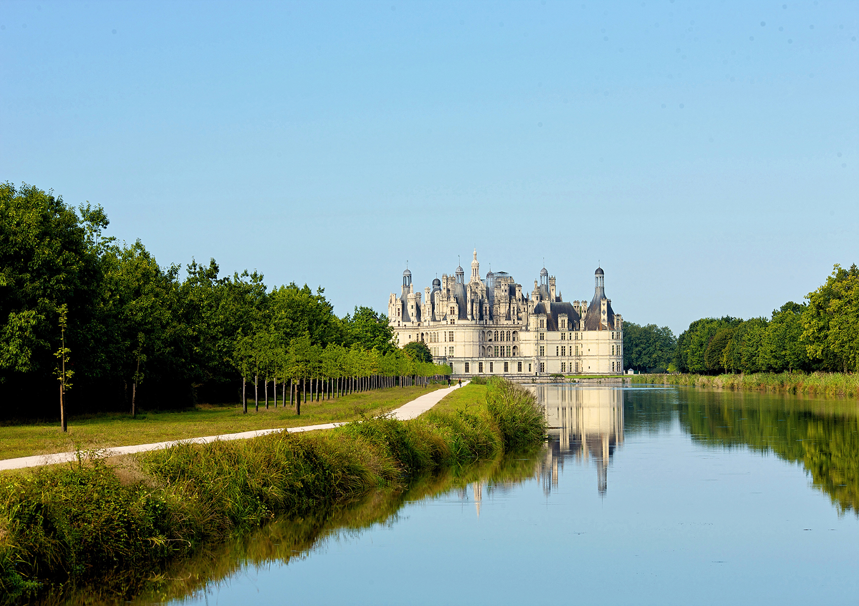 Loire Valley Castles Day Trip from Paris to Amboise, Chenonceau and Chambord