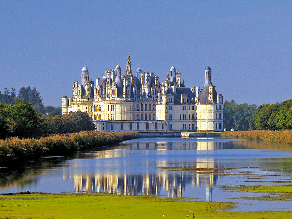 Loire Valley Castles Day Trip from Paris to Amboise, Chenonceau and Chambord (EX7)