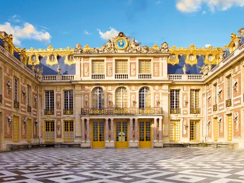 Private Tour: Versailles Day Trip from Paris Including Skip-the-Line Palace of Versailles Tour, Grand Canal Lunch and Queen's Hamlet (T03FD-VIP)