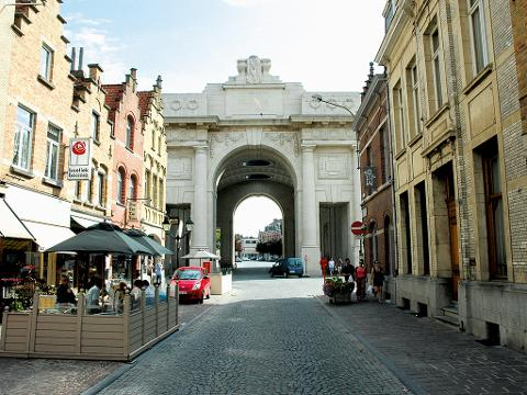 Belgian Flanders Battlefield Private Tour – Ypres and WWI Battlefields Day Trip, from Paris (T81-VIP)