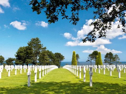 Normandy D-Day Battlefields and Landing Beaches Day Trip from Paris including hotel pick-up (T09A)