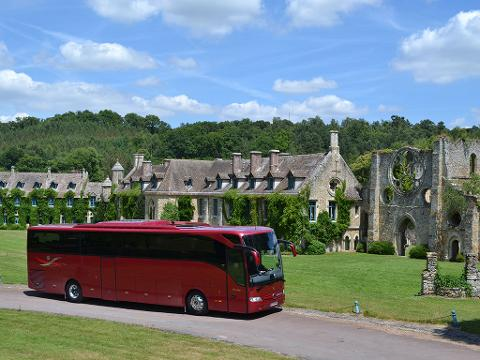Paris to Versailles Round-Trip Shuttle Transfer by Luxury Bus - 2,5 hours in Versailles (EX3SHD)