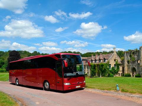 Paris to Versailles Round-Trip Shuttle Transfer by Luxury Bus - 7 hours in Versailles (EX3SFD)