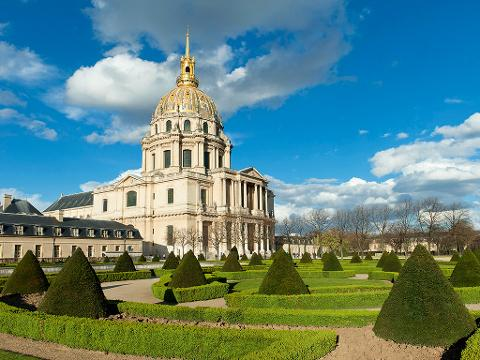 Private 2 Hours Paris Sightseeing Tour, by Minibus (T02-VIP)