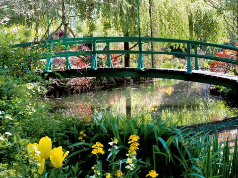 Monet's Gardens & House in Giverny Private Tour from Paris (T05-VIP)